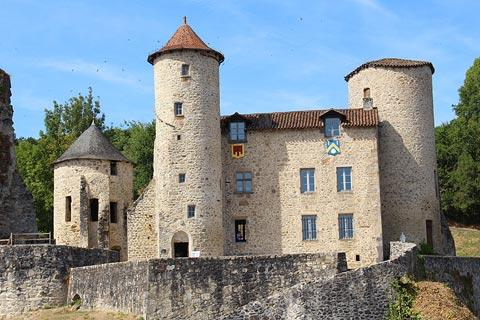 Castle and village of Laroquebrou