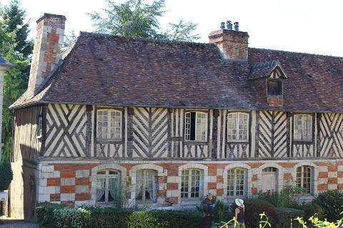 oldest house in Le Bec-Hellouin village
