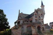 villa-castle