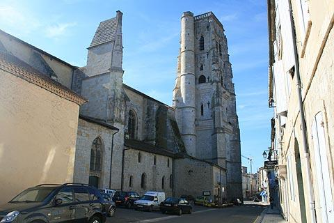 Church and tower in Lectoure