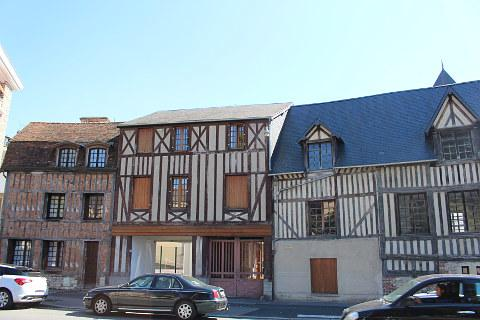 half-timber houses in Lisieux