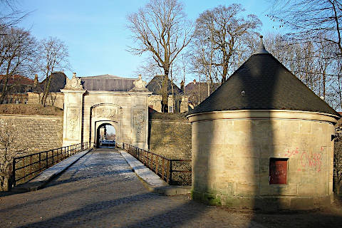 Porte de France dans les murs fortifiés autour de Longwy