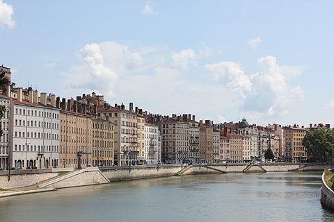 Front de rivière au coeur de Lyon