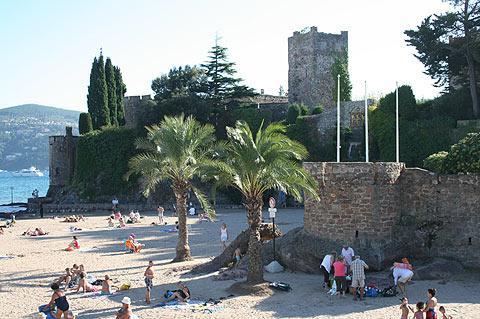 château et plage