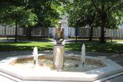 statue-fountain