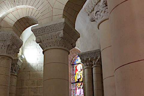 Ambulatory and apse in the Saint-Hilaire church in Melle