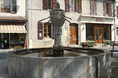 Fontaine de Mens