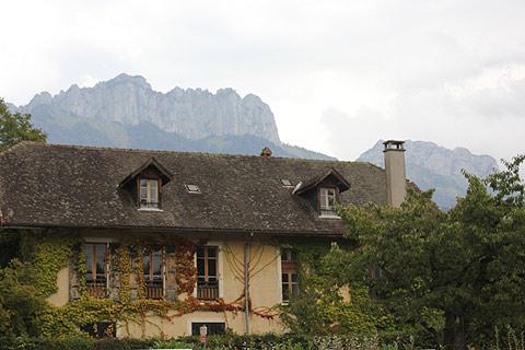 Imposante maison près du bord du lac à Menthon-Saint-Bernard