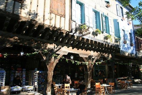 arcades du centre médiéval de Mirepoix