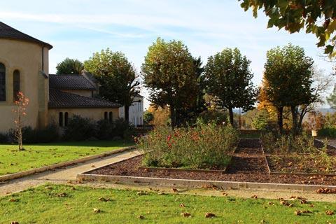 Jardin à côté de l'église de Monbazillac