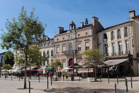 Place Bordes in Mont-de-Marsan