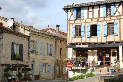 Town centre in Montaigu-de-Quercy