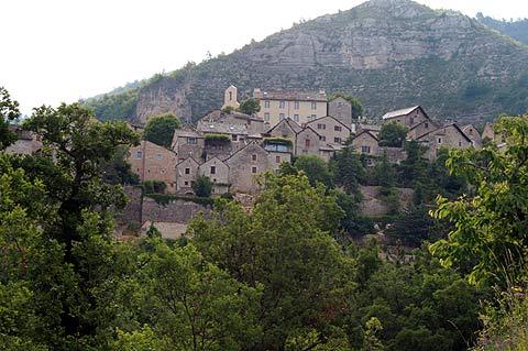 Vue de Montbrun de bas du village
