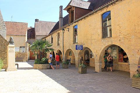 arcades à Montignac