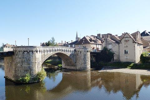 Bridge over Vienne river in Montmorillon
