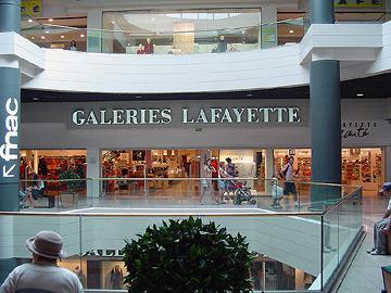Centre commercial moderne à Montpellier, France