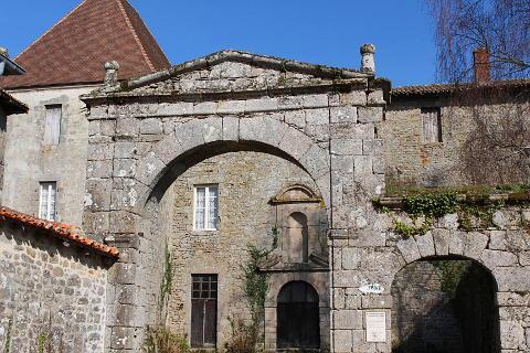 porche monumental du couvent des Carmes