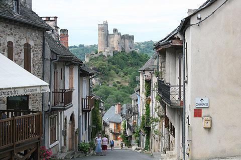 Château au bord du village de Najac