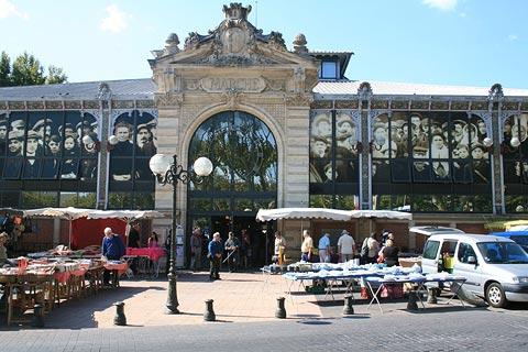 market in Narbonne