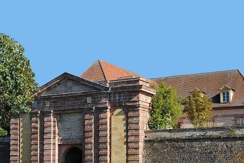 Murs fortifiés de Vauban à Neuf-Brisach