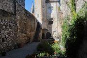 pilgrim-courtyard