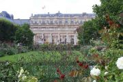 palace-and-gardens-3