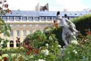 statue-in-gardens