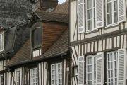 medieval-house-2