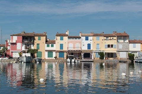 Attractive waterfront houses