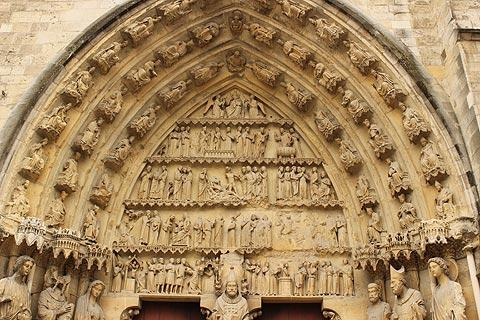 Entrance to the cathedral of Reims