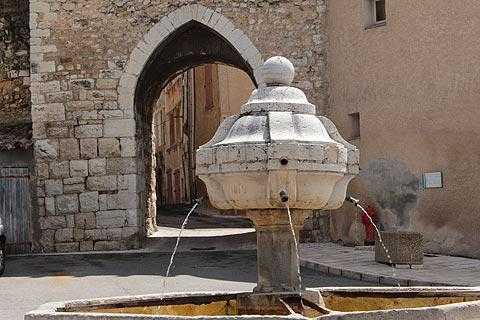 Fountain in Riez