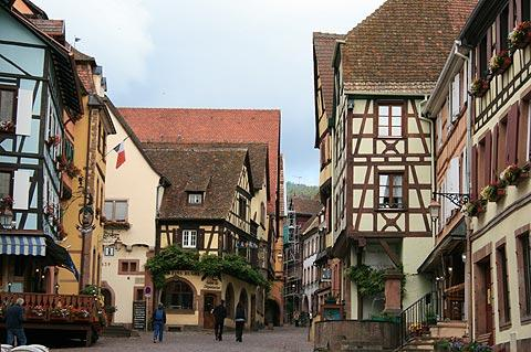 Rue du General de Gaulle in Riquewihr