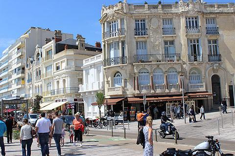 promenade in centre of Sables d'Olonne
