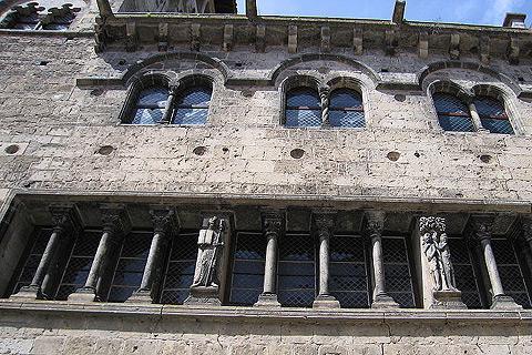 fenêtre de la Renaissance à Saint-Antonin-Noble-Val