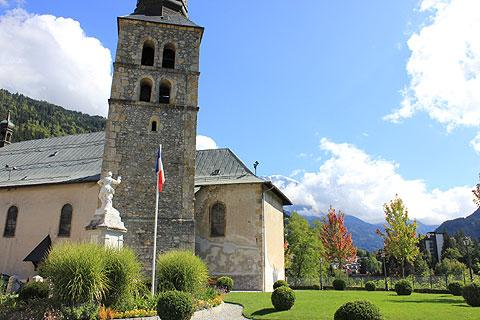 Church and park in centre of Saint-Gervais