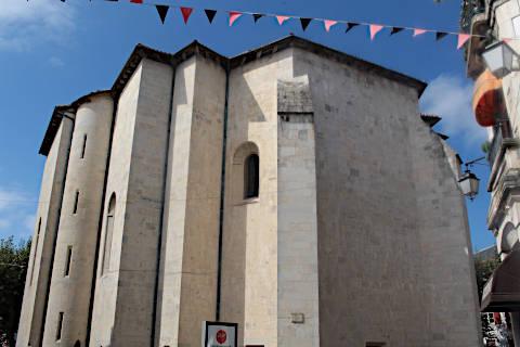 arrière de l'église de Saint-Jean-de-Luz