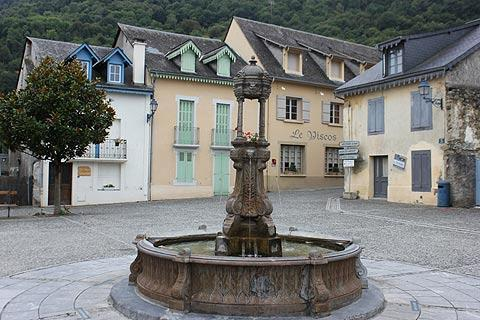Fountain in centre of Saint-Savin