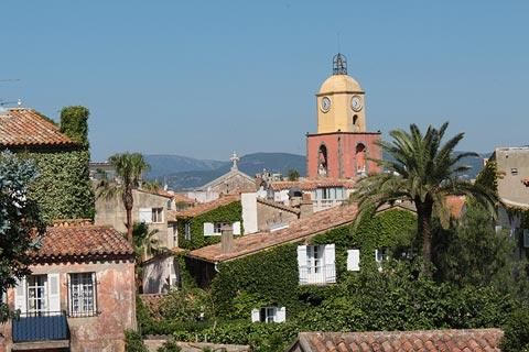 colourful church in Saint-Tropez