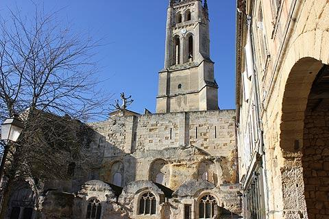 monolithic church in Saint-Emilion