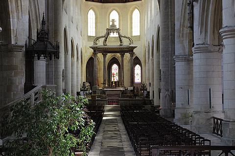 La nef de la cathédrale de Saint-Pierre