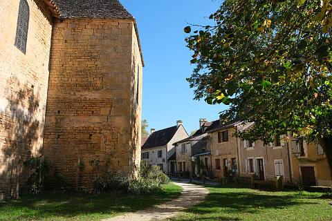 Maisons typiques de la Dordogne dans le centre de Saint-Leon-sur-Vézère