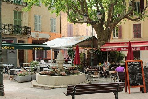 cafes in the main square in Salernes