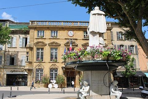Statue of Adam Craponne in front of the Town Hall in Salon-de-Provence