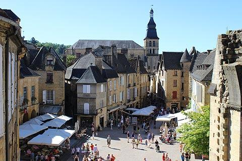 sarlat en images une visite en photos de la cit m di vale de sarlat. Black Bedroom Furniture Sets. Home Design Ideas