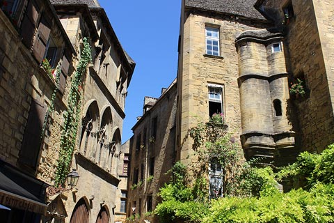 Place du Marché aux Oies in center of historic Sarlat
