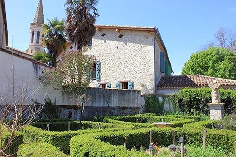 Jardin médiéval à Sarrant