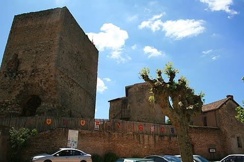 castle donjon in Semur-en-Brionnais village