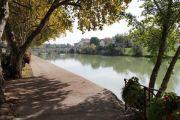 riverside-promenade