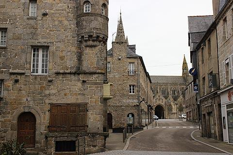 grande rue de Saint Pol-de-Léon