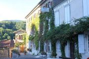 hotel-in-village